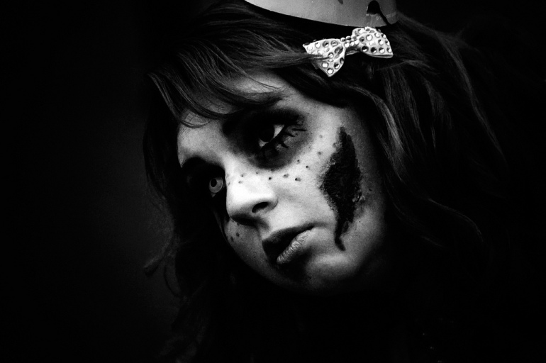 doll face zombie
